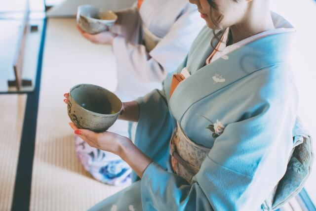 思わず手に取りたくなる!可愛らしい抹茶茶碗を季節別にご紹介
